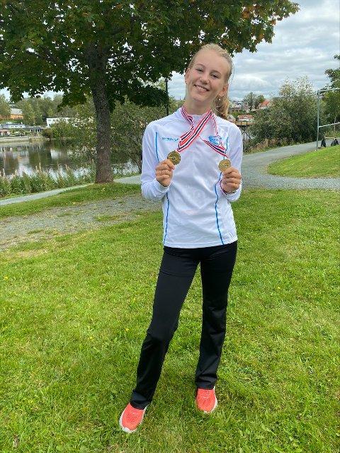 Medaljesanker: Selma Skisaker (15) fra Larvik Turn tok både gull og bronse under helgens Ungdomsmesterskap i Trondheim.