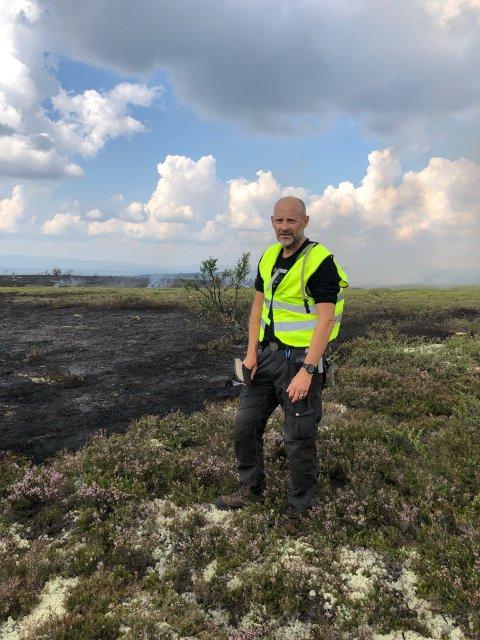 I TRYSIL: Brannsjef Trond Joar Kjenstadbakk på en skogbrann i Trysil sommeren 2018