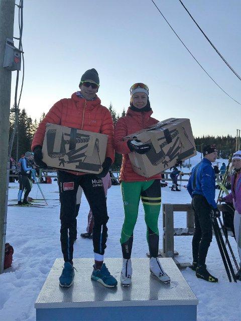 TIL TOPPS: Simen Østlie og Ingvild Bratlie kunne innkassere hver sin halve elg for seieren i Budorrennet lørdag.