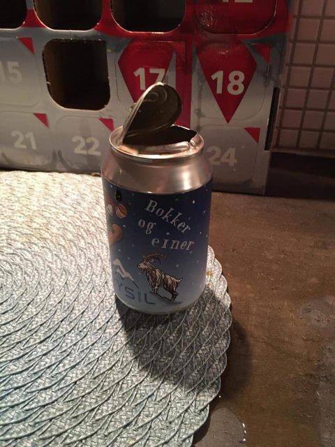 REVET OPP: Lokket på boksen med Trysil-øl ble revet opp