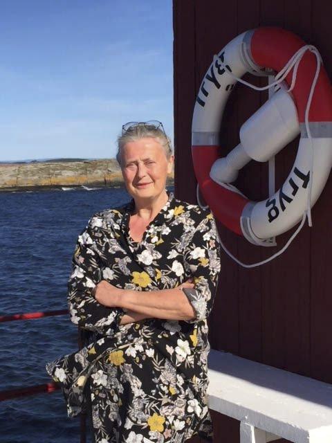Stiller ut i tårnet: Bjørg Holene er årets sommer- utstiller på Fulehuk fyr.