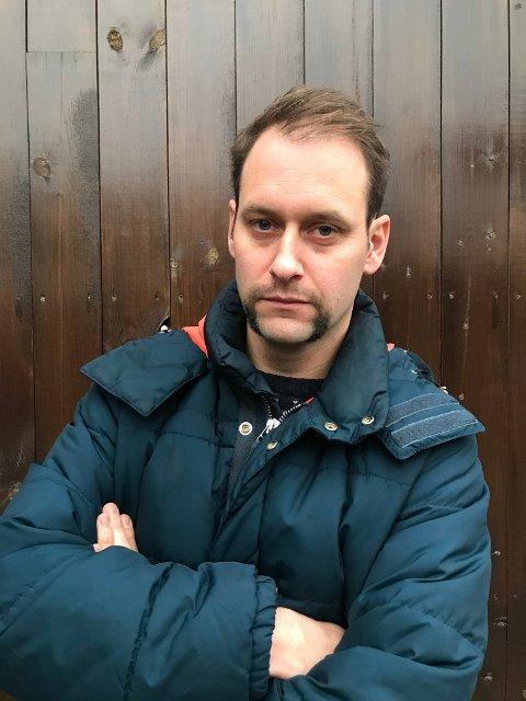 Caspar Rieber-Mohn er FAU-leder ved Lindhøy skole og trebarnsfar. Han har engasjert seg veldig i saken rundt Tjøme ungdomsskole, og opplever stort engasjement fra andre foreldre på Tjøme.
