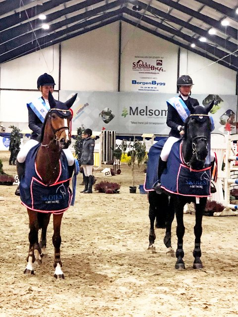 Finaleseier: Therese Søhol Henriksen (til venstre) og Maria Louise Kingsrød (til høyre)  kunne ta med seg 30.000 kroner hjem til Degernes. Foto: Einar Ballestad