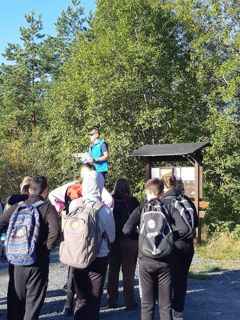 SPORTY SKOLEDAG: Niendetrinn på Rakkestad ungdomsskole var onsdag med på Opptur i regi DNT Indre Østfold.