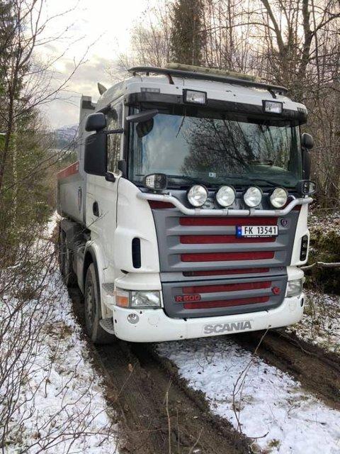 Lastebilen ble funnet på en skogsvei på Sjonfjellet. Foto: Bjørn Jamtli
