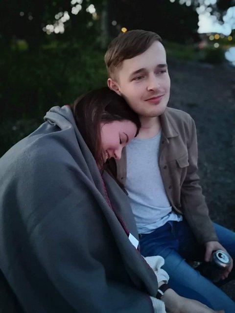 SAVN: Per Andreas Steiro Frøiland fra Stavanger døde i kajakkulykken på Mjøsa. Samboer Virág Györffy sitter tilbake med et sterkt savn.