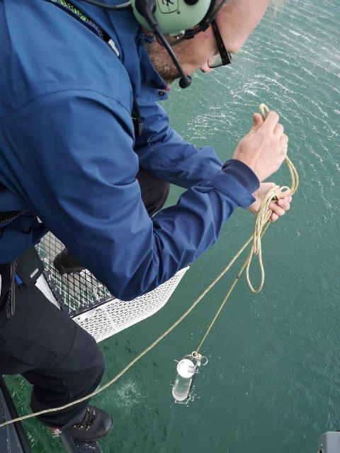 Vannprøvetaking: Helikopter ble brukt for å rekke over alle vannprøvetakingene fra Norges innsjøer.