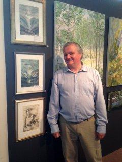 Roar Engelberg bidrar med både malerier og musikk.