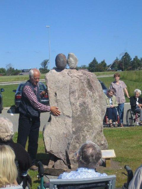 SYMBOLSK SKULPTUR: Svein Knudsens kunstverk skal symbolisere vennskapet mellom Norge og Danmark.