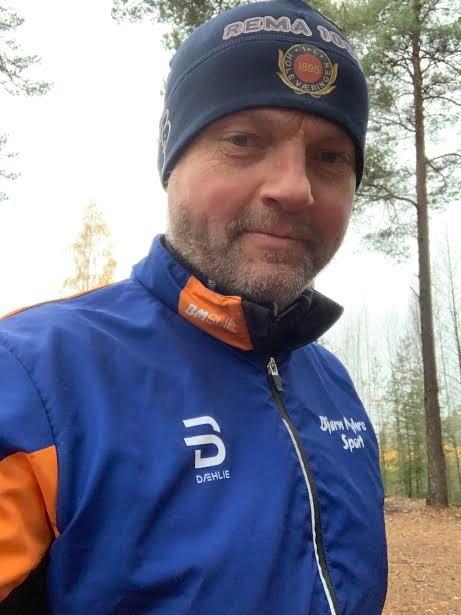 INVITERER TIL SKIKURS: Svein-Erik Sandvold fra Hole har hovedansvaret for opplegg og gjennomføring av skikurset. i regi av Skiforeningens lokalutvalg.