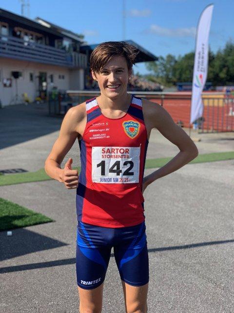 FORNØYD: Magnus Tuv Myhre leverte en solid 1500 meter og  vant kontrollert under NM i Bergen. Søndagen fulgte han opp med et nytt NM-gull på 5000 meter.