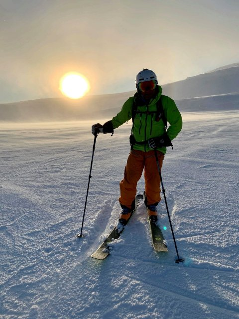 GUIDE: I vinterferien arrangerer Torgeir Urdal skiturer ned fra Gaustatoppen.