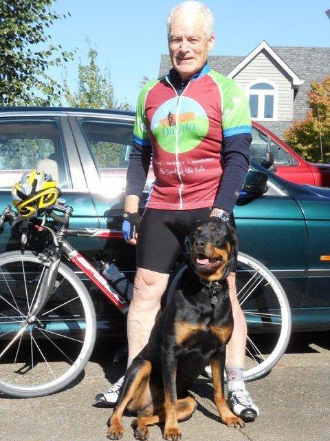 Toppkandidat og syklist: Pensjonert lege Dag Kremer (80) fra Kragerø er toppkandidat for Helsepartiet Telemark.