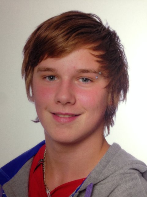 OMKOM: 16 år gamle Tom Pettersen fra Flateby i Enebakk omkom da han ble påkjørt på E6, natt til søndag. FOTO: Privat