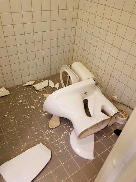 Utlendingsinternatet på Trandum ble påført store materielle skader etter at innsatte gjorde opprør lørdag kveld.  Foto: Politiet / NTB scanpix