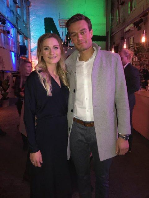 FINALEFEST: Langrennsløper Martine Ek Hagen fra Enebakk så Farmen-finalen med kjæresten Aleksander Ek.