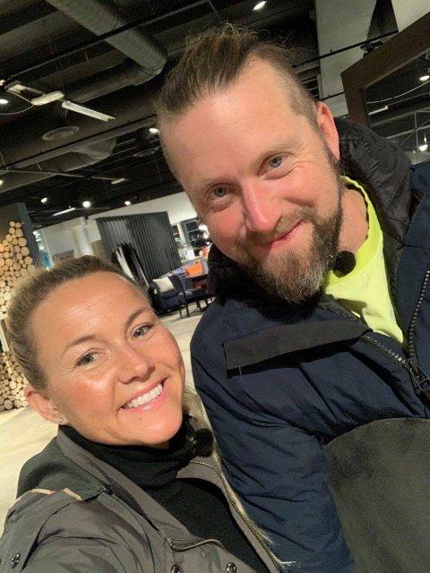 """Jeanett Fjeldstad og Jerry Johansson har ikke gitt opp hyttedrømmen selv om de ikke endte som hytteeiere etter å ha vært med på """"Sommerhytta"""". Foto: Privat"""