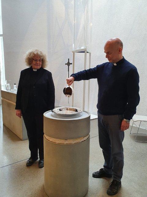 Marit Rødningen Seines og Per-Kristian Bandlien gleder seg til drop in-dåp og drop in-vielse i Jessheim kirke