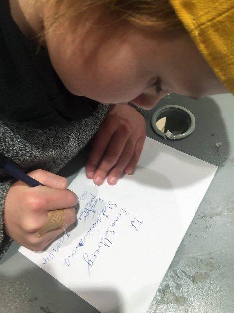 SKRIVER: Luuk og Karlotta skrev brev til statsministeren