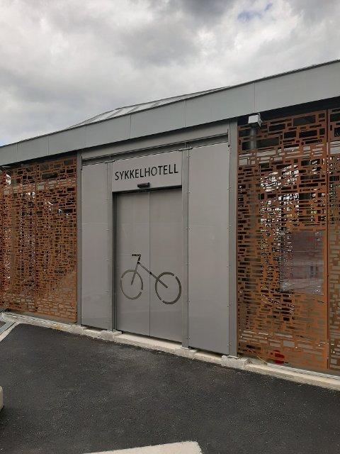 KLART: Sykkelhotellet står klart til åpning den 2. juni i år.