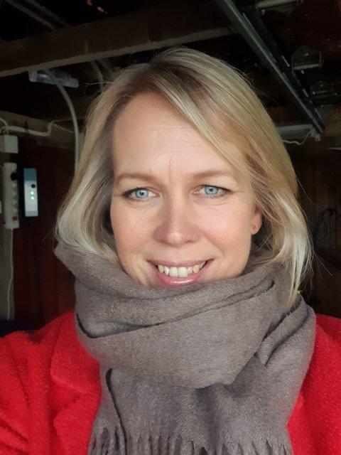 TANKER PÅ TUR: Under en tur i bygda gikk ordfører Elin Gran Weggesruds tanker til mange av dem som bor og jobber i Holmestrand kommune. Her er hennes budskap til alle.