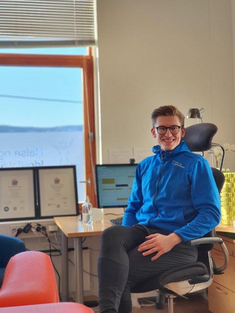 FLYTTER EN ETASJE OPP: Kiropraktor Joakim Hempel Hansen blir å finne på Helse og Idrettklinikken heretter.
