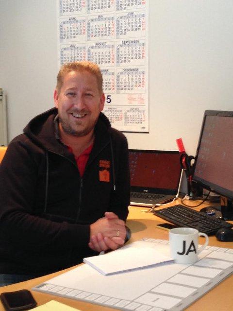 SYNLIGE: Eric Laetare, administrasjonsleder i Kirkens Bymisjon Vestfold, forteller at de ønsker å bli mer synlige.