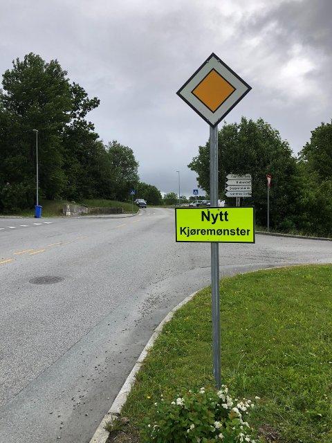 ENDRING: Tirsdag ble Fosseikeveien på Ganddal regulert som forkjørsvei.