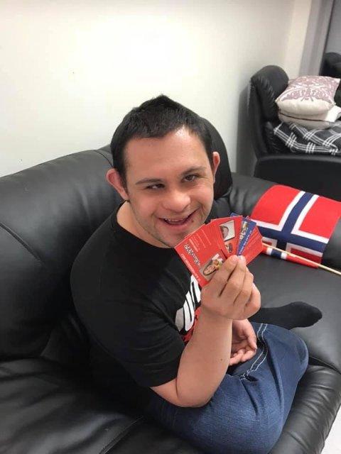 STORSAMLER: Renato Avdic samler på russekort.