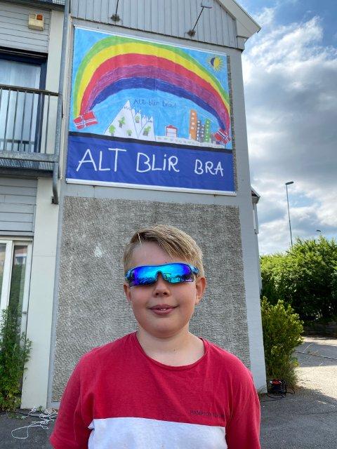 VANT: 3-klassingen Emil Alexander Danton har fått kunstverket sitt på kirkeveggen ved Sarpsborgs innfartsåre i Råkilveien 2.
