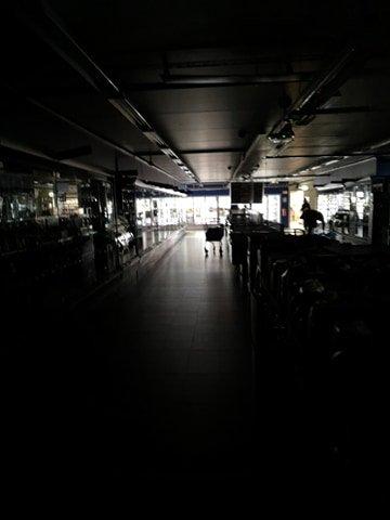 Den tekniske feilen førte til at hele butikken ble mørkelagt.