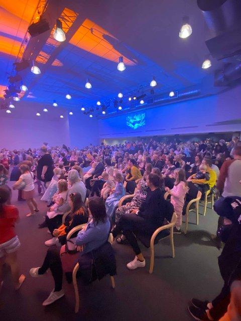 VENNEFEST: Over tusen personer var innom Klippen på HalloVenn 31. oktober.