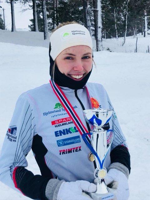 Mari Hetlesæter har fleire KM-gull frå før – både på ski, rulleski og i terrengløp. I helga blei det nytt gull i langrenn. (Foto: Anita Topp Sandvik)