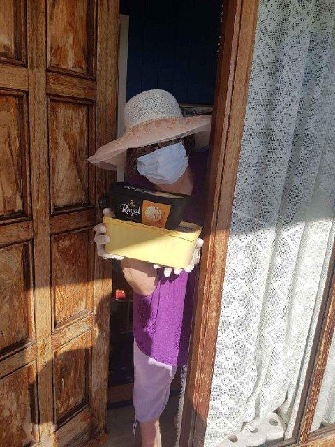 KARANTENE: Etter besøket i Bolivia måtte Ingrid Vatne i karantene hjemme på Jørpeland. Her får hun mat levert på døra i den perioden.
