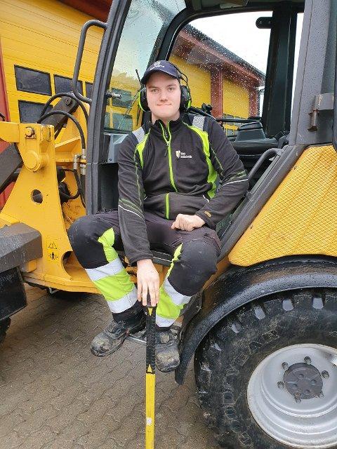 Erik Bjerkeland har utdannet seg som anleggsgartner ved Mære landbruksskole i Steinkjer kommune.