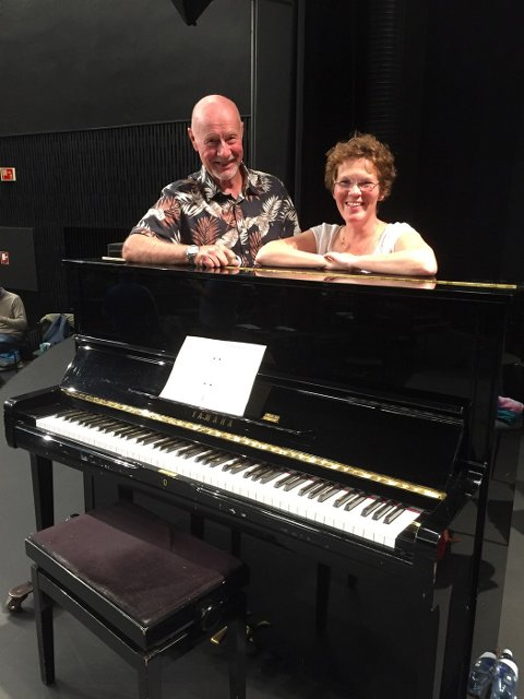 KOM OG BLI MED: Korleder Trond Gystad og dirigent Augustine Rikkeliva Nygaard er glade for at koret igjen kan samles, og de ønsker også nye kormedlemmer hjertelig velkommen.
