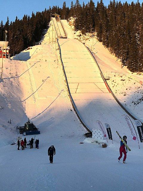 NYTT NM: Hoppanlegget i Høydalsmo står klart om det lokale idrettslaget  skiforbundet vil legge hopp-NM hit tidlig neste vinter.