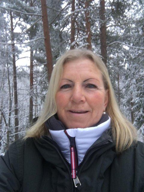 LETER: Merete Møllerud leter etter sin søster, som kan bo på Ulefoss.