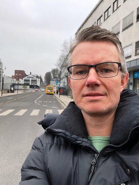 IKKE BRA: Tore Hammersmark i Skien By har fått flere meldinger som går på at stenging av Kongens gate vil slå negativt ut.