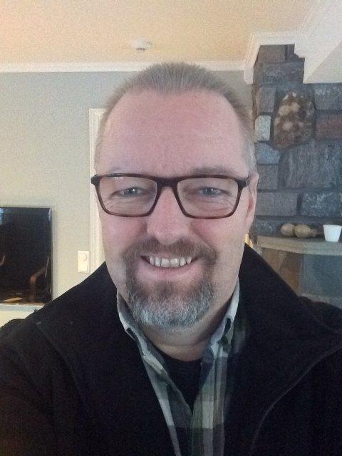 Victor Skimmeland er kreftsyk og har meninger om ny stråleenhet på sykehuset i Tønsberg.