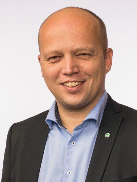 KRITISK: Sp-leder Trygve Slagsvold Vedum mener fylkesmannsembetet i Vestfold har gått lengre i å utøve sammenslåings-press mot kommunene enn i hans eget fylke Hedmark.