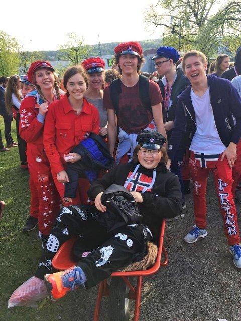 STILLER OPP: Russen stilte opp da det trengtes for ATH-russ Ellen-Sofie Anthonisen (17).