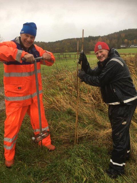 SKILØYPER: Knut Eivind Larsen og Sven Karsten Fles slutter aldri å håpe at snøen kommer til Nøtterøy.