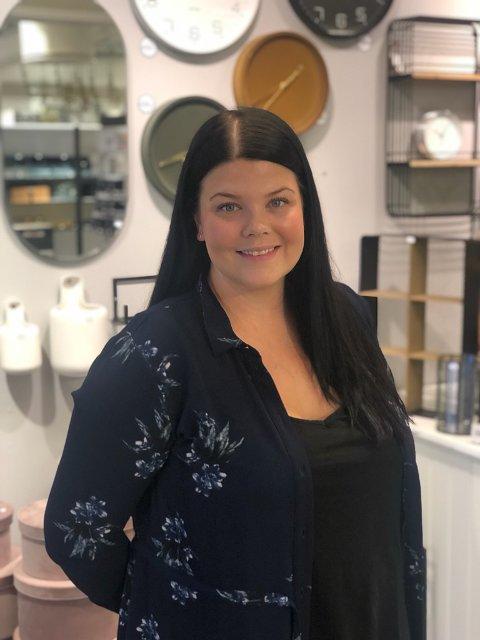 NY BUTIKK: Marianne B. Ytterstad fra Tromsø flytter butikken fra Pyramiden til Jekta.