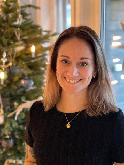 ÅPENHET: Tobarnsmor Jorid Kjølsvik Selseth (32) fra Levanger valgte å være åpen i sosiale medier om at hun er satt i karantene i julen. Nå oppfordrer hun alle til å vise ekstra omsorg og omtanke ovenfor de som får jula snudd på hodet i år. – Det er jo andre som har havnet i samme situasjon, men som ikke har de samme forutsetningene, sier hun.
