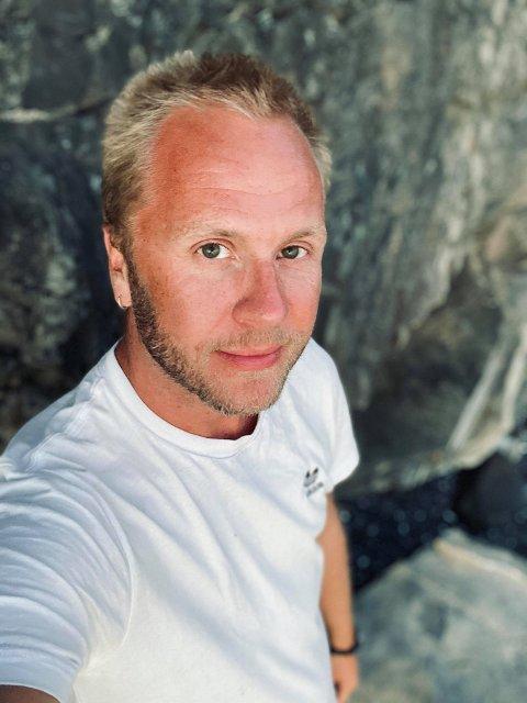 """NYTT PROSJEKT: Håvard Kalseth fra Inderøya, har søkt Fritt Ord og Kulturrådet om penger til et nytt prosjekt, som blant annet tar for seg """"shaming"""" innad i det homofile miljøet."""