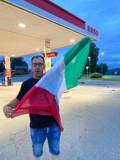 GLEDE: Her slipper Paolo Diletto jubelen løs på Esso i Åsen etter at Italia vant EM-gull.