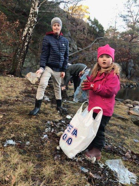 Mats og Sofie: Romsjulsturen ble av det nyttige slaget. Mats og Sofie plukket søppel i jula.