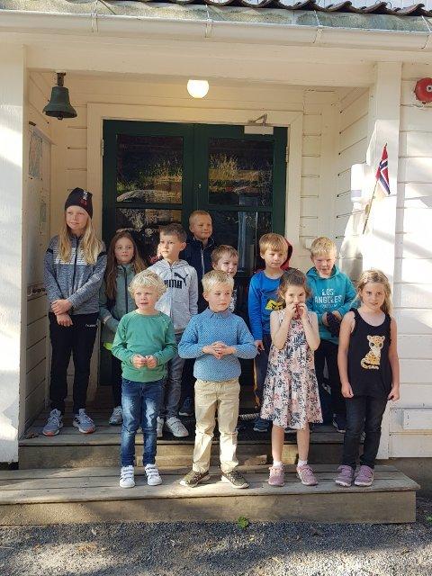 Første skoledag: 12 elever skal gå på skolen på Sandøya dette skoleåret.