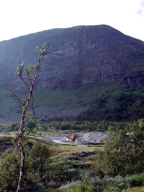 Ulendt: Ved innkjøringa til Filefjell skisenter med det bratte Skørsnøse i bakgrunnen.  Arkivfoto: Egil Heggen
